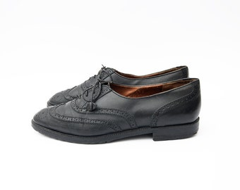 Vintage black leather women oxford shoes / flats / lace up / oxfords /