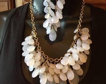 Opaque white tear drop chunky necklace/braclete and earrings set in gold tone metal
