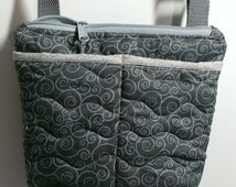 Cross body purse with zipper closure in grey quilted cotton, ideal travel purse