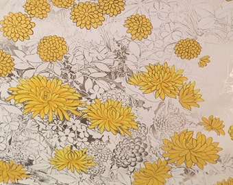 Vintage Yellow and Silver Flower Wallpaper