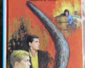 Vintage Book - The Hardy Boys, The Bombay Boomerang, Volume 49, Franklin W. Dixon, Mystery Book, Grosset & Dunlap, 1970