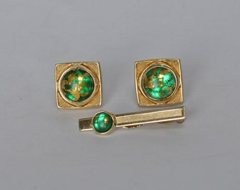Beautifully Crafted HICKOK Venetian Gold Foil Glass Cufflinks and Tie Bar 1960s