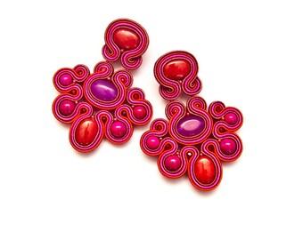 Red pink bead earrings chandelier. Fancy earrings large, bohemian. Mexican earrings Frida Kahlo. Pink red statement earrings, free spirit.