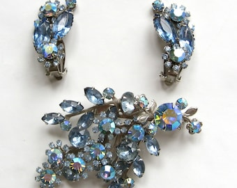 """Free Shipping to US. Light Sapphire Blue """"Beau Jewels"""" vintage Brooch & Clip earrings - STUNNING!"""