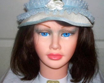 Vintage White Hat  - Good Condition - Unmarked - Lace Band - Velvet Edge