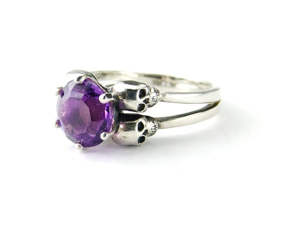 Womans Skull Ring, Valentines Gift, Size 3.5 READY TO SHIP Pisces Amethyst Sterling Purple Skull Ring Goth Wedding Ring Psychobilly Rocker