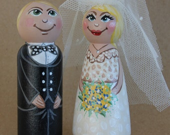Customized Bride and Groom Wooden Peg Doll Wedding Cake Topper