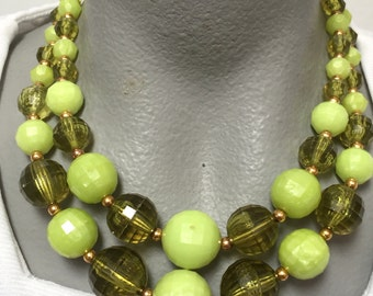 Vintage Double Strand Green Plastic Bead Necklace (retro 50s 60s light dark pinup adjustable christmas holiday faceted bright gold tone)