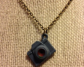 "14"" LightBlue,Maroon&Bronze Camera Necklace"