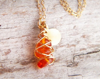 Amber pendant necklace - Wire wrapped jewelry - Baltic amber necklace - gold necklace