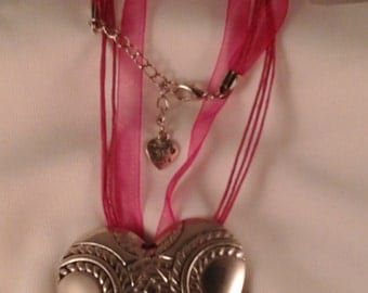 patterned heart alloy pendant