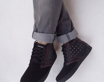 black leather shoes US 8.5 women / EU 40 handmade Marapulai sneakers suede stars