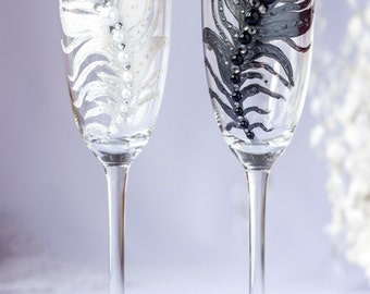 Black and white feather, wedding toasting flutes, fashion wedding, champagne glasses, bride and groom, wedding supplies 2pcs G22/11/12-0002