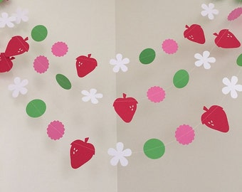 Strawberry Shortcake Themed Paper Garland Strawberry Shortcake Birthday Decoration Strawberry Shortcake Party Child's Room Decorations 10ft