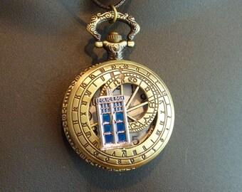 Gallifreyan TARDIS - Doctor Who - pocket watch