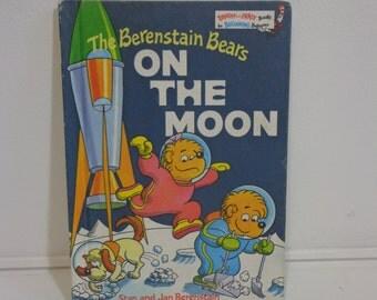 Berenstain Bears On the Moon Bright & Early Beginning Reader Book 1985 Berenstein Books