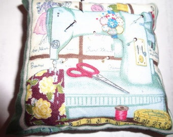 Handmade Retro sewing themed pin cushions. All have double sided prints. Ideal small gift! Reduced to clear.
