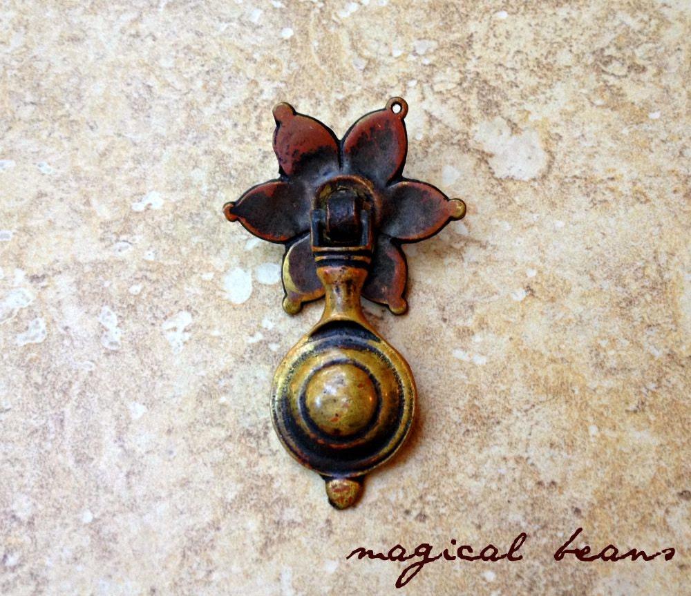 kbc teardrop drawer pulls gold baroque pendant pulls antique drawer pulls brass dresser pulls dresser hardware decorative drawer pulls