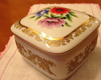 Limited Edition Porcelain Flower Music Box by Heritage House