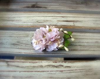 Blush pink flower hair clip, wedding hair flowers, blush bridal hair pin, vintage look, flower girl hair pin, bridesmaid hair pin, pale pink
