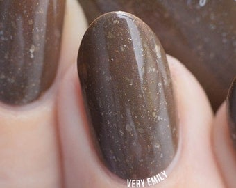 Outlander - 15 ml - Taupe brown with white flakes, bronze sparks and blue shimmer - indie polish by ALIQUID Lacquer