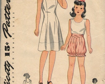 Vintage 1930s Simplicity Sewing Pattern 1923- Girls' slip, Blooomers and Panties size 12