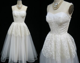 "Vintage 50s Alencon LACE and Tulle WEDDING Prom DRESS Gown Strapless Sweetheart Tea Length Bust: 34.5"" Small"