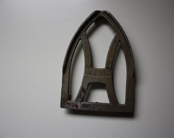 Cast Metal Iron Rest Marked Major