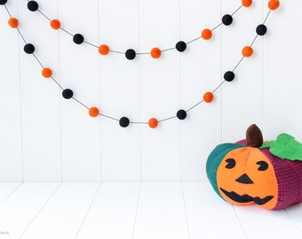 Halloween Wool Felt Ball Garland. Halloween Garland. Halloween decor. Party Decor Garland. Halloween Decoration. Wool Ball Bunting. Pumpkin