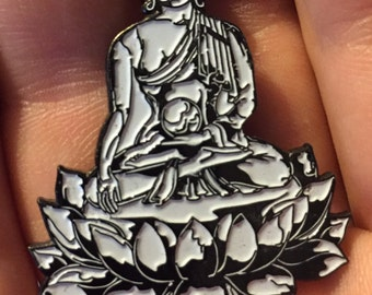 32. Enlightened Buddha lapel pin