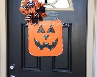 Halloween Mason Jar Door Hanger, Jack O Lantern Door Hanger, Halloween Door Hanger, Halloween Pumpkin Mason Jar Door Hanger