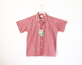 Vintage Mens Shirt / 1950s Mens Shirt / Plaid Shirt / NOS Shirt / Red Plaid Check / Small/  Cotton / Short Sleeve