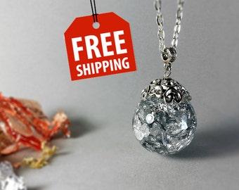 Silver pendant, Silver necklace, Silver jewelry, Botanical jewelry, Real silver jewelry, Resin jewelry, Resin silver pendant , Foil pendant