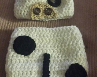 Newborn crochet cow hat and diaper cover.