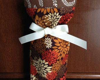 Wine Gift Bag, Fall Wine Bag, Thanksgiving Hostess Gift, Fabric Wine Gift Bag