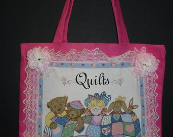 """Canvas Tote w/Quilt Motif """"Quilts are so comforting"""""""