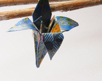 "Origami ""Fleur de Lys lapis lazuli""-brooch"