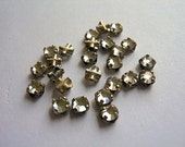 24 4mm CRYSTAL Swarovski Roses Montees Vintage 4mm Sew-ons silver channel settings crystal glass lot of 24