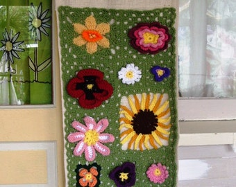 Vintage Handmade Crocheted Flower Floral Wall Hanging