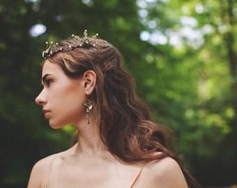 Gryffon Earrings, Griffin with Pearl, Ivory, Griffon, Medieval, Renaissance Jewelry, Tudor, Ren Faire, Bridal Jewelry, Garb, Mythology, Myth