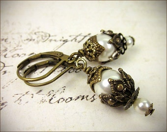 Medieval Earrings, Cream Pearl, Garb, Renaissance Earrings, Tudor, Medieval Jewelry, Victorian, Handfasting, Pagan, Rhiannon