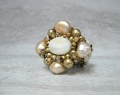 For Fernie Sample SALE Ivory White & Gold Pearl Ring Size 6 - Hand Wired  Ring with Mother of Pearl Sharona Nissan SAMPLE SALE