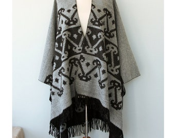 Gray Poncho Aztec cape Autumn fall fashion Women clothing Native outerwear Grey gray Black poncho Winter shawl Boho chic wrap Gift for her