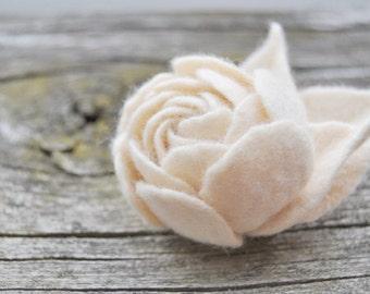 Acasia Cream Felt Flower Brooch / Ranunculus Felt Flower Pin Brooch