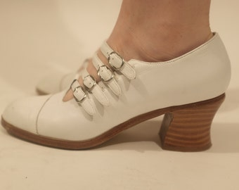 70s Buckle up WHITE Platform shoes