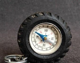 Lazy compass pendant keychain charm. Lovely vintage keyring souvenir.