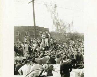 """Vintage Photo """"Americana Parade Gathering"""" Men Women Group People Crowd Street Found Old Snapshot Old Black & White Paper Ephemera - 128"""