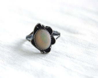 Southwestern Mother of Pearl Ring Size 6 Vintage Sterling Silver Jewelry Romantic Gift for Her