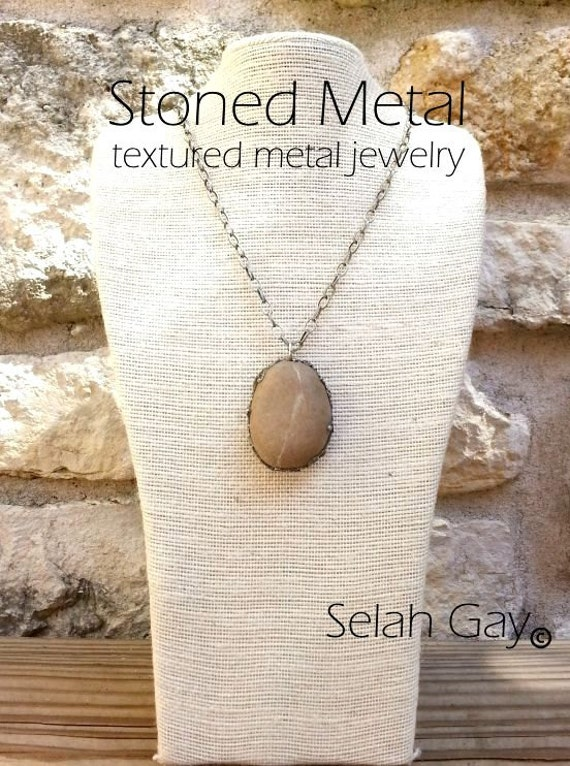 Natural Stone Necklace Sculptured Metal 4 - Stoned Metal Jewelry