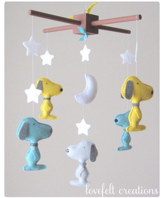 Baby Crib Mobile - Baby Mobile - Snoopy Mobile - Custom baby mobile - Pick your colors :)